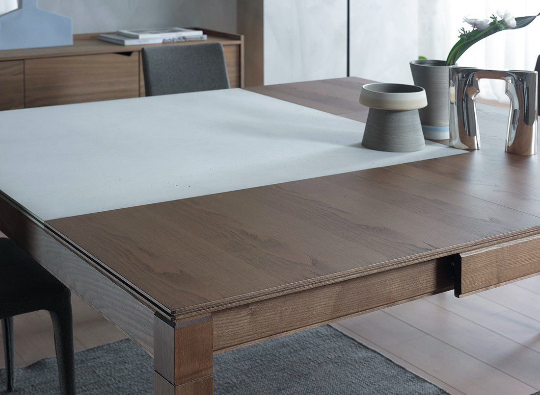 Plurimo transforming dining table